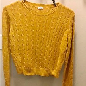 Ladies or Girls Sweater Size S, Garage